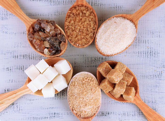 همه چیز درباره شکر قهوه ای یا زرد و خواص و اثرات آن بر زیبایی ...